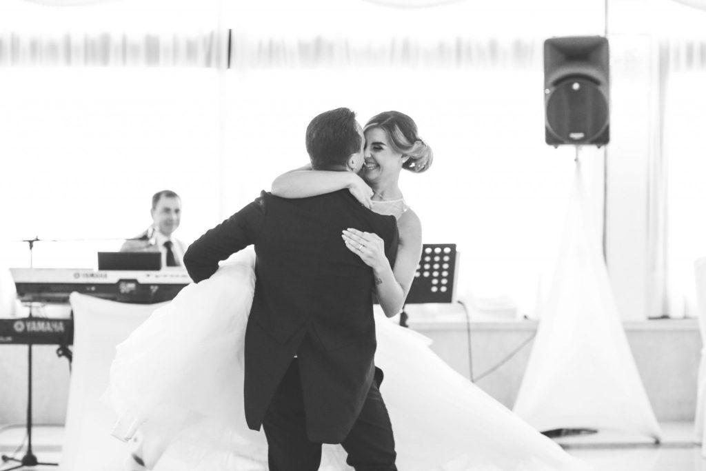 foto abbracci matrimonio